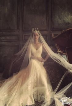 Artistic fashion-forward bridal portrait with major queen vibes!