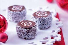 Šárčiny pařížské rohlíčky | Apetitonline.cz Homemade Sweets, Czech Recipes, Pavlova, Cheesecake, Muffin, Food And Drink, Cookies, Baking, Drinks