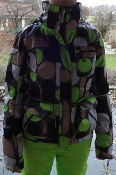 Chiemsee Damen-Skianzug, Größe 36/38 - apfelgrüne Hose, gemusterte Jacke Skiing, The North Face, Fashion, Snowboarding Jackets, Sport Clothing, Women's, Ski, Moda, La Mode