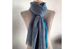 666014758dc 73 meilleures images du tableau Echarpe foulard bleu