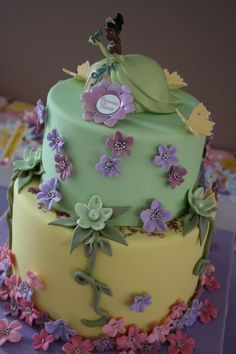 Princess Tiana Was On Order For This Party The Bottom Tier Of cakepins.com