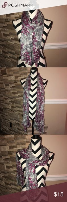 Cute Scarf Good condition Accessories Scarves & Wraps