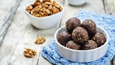 Do you feel like you lack energy while cleansing? Start eating these healthy snacks to get a protein and energy boost. They taste great! Avocado Recipes, Raw Food Recipes, Diet Snacks, Healthy Snacks, Healthy Life, Healthy Salt, Healthy Aging, Full Body Cleanse, Detox Smoothie Recipes