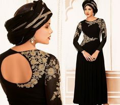 It's a general faith that true loveliness of a Saree lies in its ideal blouse back neck designs. Blouse Back Neck Designs, Blouse Designs, Chiffon Saree, Chiffon Blouses, Latest Fashion Dresses, Fashion Catalogue, Complete Outfits, Designer Dresses, Stylish