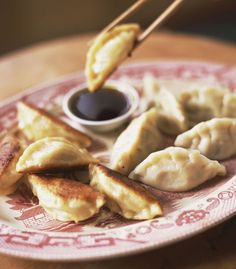 Indulge in These Healthy Baked Chicken Wontons Wonton Recipes, Sauce Recipes, Cooking Recipes, Wonton Sauce Recipe, Recipes With Wonton Wrappers, Wanton Wrapper Recipes, Cooking Ideas, Wok Recipes, Group Recipes