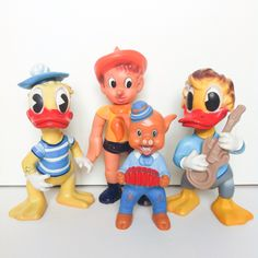 Vintage Rubber Toy. #vintagetoy #rubbertoy #squeakytoy #pouet #delacoste #ledraplastic #disneyana #aradeanca Disney Toys, Vintage Disney, Antique Dolls, Doll Toys, Vintage Toys, Smurfs, History, Antiques, Disney Characters