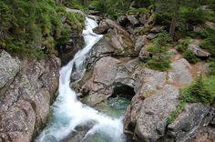 Ako sa volá horská chata z ktorej sa Vám naskytne tento prekrásny pohľad? :) Chata, Waterfall, Outdoor, Outdoors, Waterfalls, Outdoor Games, The Great Outdoors