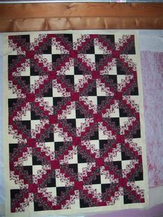 Jeanne S's Modern Floral Irish Twist--Now need border help, please! Quilting Board, Rail Fence, Log Cabins, Larger, Irish, Patches, Quilts, Holiday Decor, Floral