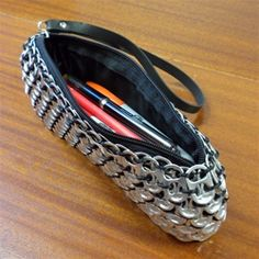 Reclaim Allure - Poptop Clutch made of recycled soda pop tops