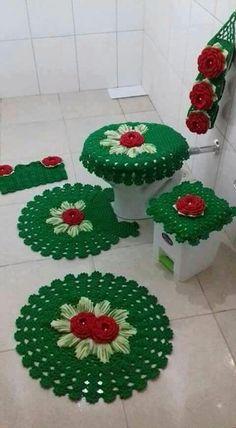 Best 12 Ideias para Usar Tapetes de Croché na Decoração häkeln häkeln Crochet Heart Blanket, Crochet Doily Rug, Crochet Home, Diy Crochet, Crochet Crafts, Crochet Flowers, Crochet Stitches Patterns, Weaving Patterns, Diy And Crafts
