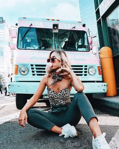 Womens Clothes For Travel Tumblr New York, Summer Outfits For Teens, Outfit Of The Day, Girl Fashion, Vogue Fashion, Cute Outfits, Trendy Outfits, Style Inspiration, Photoshoot Inspiration