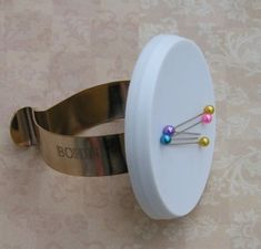 Bohin Magnetic Wrist Pincushion.