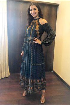 anushka-sharma-in-label-ritu-kumar-urban-outfitters-and-aquazzura-at-jab-harry-m… - Christmas-Desserts Casual Indian Fashion, Indian Fashion Dresses, Indian Designer Outfits, Indian Outfits, Designer Dresses, Stylish Dresses For Girls, Stylish Dress Designs, Nice Dresses, Bollywood Outfits