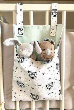 Range doudou / range jouet / range pyjama cadeau naissance - Technicas Tutorial and Ideas Baby Sewing Projects, Sewing Crafts, Sewing Diy, Craft Projects, Quilting Projects, Range Pyjama, Etsy Quilts, Diy Bebe, Birth Gift