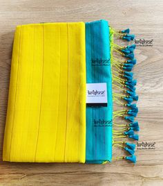 Traditional Saree Kuchu - Also known as Baby Kuchu or Table Kuchu, these tassel designs are ideal for light weight sarees & for women whose style statement has always remained classic & elegant. Krishne's traditional kuchu price ranges from ₹ 500 ~ 1500, each & every saree kuchu is handcrafted using premium silk yarn to complement your gorgeous sarees. Call 9916253832 or Click www.krishnetassels.com/tassels to see all the kuchu types, price range & information to place your order.. Saree Tassels Designs, Saree Kuchu Designs, Pattu Saree Blouse Designs, Saree Blouse Patterns, Designer Blouse Patterns, Silk Sarees With Price, Soft Silk Sarees, Silk Saree Kanchipuram, Hand Embroidery Dress
