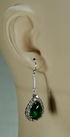 Vintage Emerald Rhinestone Earrings by ClassyLadyElaine Emerald Earrings, Rhinestone Earrings, Teardrop Earrings, Clip On Earrings, Emerald Stone, Earring Backs, Vintage Jewelry, Dangles, Gems