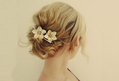 Gorgeous vintage hair updo