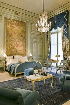 "Windsor Suite, Ritz Hotel, Paris - my room looked just like this, but I don't think it was the ""Windsor "" suite.still the Ritz in Paris! Beautiful Bedrooms, Beautiful Interiors, Classic Decor, Piscina Hotel, The Ritz Paris, Paris Paris, Paris Apartments, Paris Hotels, Suites"