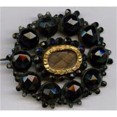 I LOVE Victorian mourning jewellery