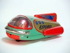 collection of vintage tin space toys from Japan Vintage Toys 1960s, Vintage Robots, Retro Toys, Vintage Tins, Japanese Toys, Vintage Japanese, Dc Vibe, Modern Toys, Zinn
