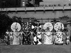 Fashion show on the Ambassador Hotel (Los Angeles) grounds, circa 1930.  (LAPL)  Bizarre Los Angeles