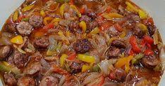 Υλικά  700 γρ. Λουκάνικα χωριάτικα κομμένα σε φέτες  2 μεγαλα κρεμμύδια κομμένα σε φέτες  2 πιπεριές κόκκινες κομμένες σε χοντρά μπαστ... Cookbook Recipes, Cooking Recipes, Beef, Cake, Food, Meat, Chef Recipes, Kuchen, Essen