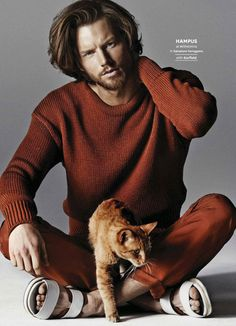 猫とスーパーモデルを被写体にした贅沢なファッション写真「Pussy Riot」 | ADB