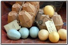 Vegetable-based opaque, egg-shaped soap. Weight: 25 grams.