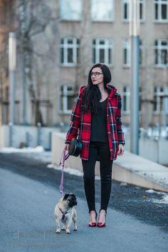 Outfit mit karierter Übergangsjacke von Pepe Jeans in Flanelloptik, Steghose von H&M und rote Lackpumps von Buffalo   https://juliesdresscode.de   #ootd