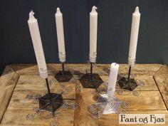 Lysestaker til kronelys i ståltråd Candles, Candy, Candle Sticks, Candle