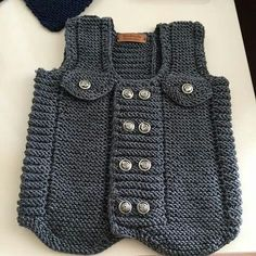 2019 Örgü Bebek Kazak Hırka ve Yelek Modelleri You are in the right place about knitting top Here we offer you the most beautiful pictures. Baby Knitting Patterns, Knitting For Kids, Crochet For Kids, Crochet Baby, Baby Cardigan, Sweater Cardigan, Embroidery On Kurtis, Kurti Embroidery Design, Matching Sweaters