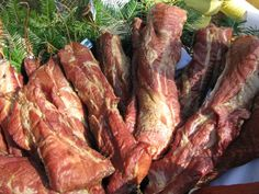 Some smoked meat. Romanian Recipes, Romanian Food, Great Recipes, Favorite Recipes, Healthy Foods, Healthy Recipes, Meat Products, Smoking Recipes, Cottage In The Woods