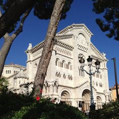 Built in 1875, the Cathedral in Monaco houses the burial places of past sovereigns, including Prince Rainier and Princess Grace. Have you visited this beautiful landmark yet?