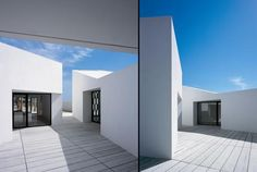 Pocket: House 2 For A Photographer / OAB