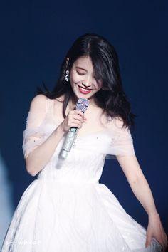 Kpop Fashion, Korean Fashion, Iu Twitter, Wang So, Girls Rules, K Idol, Kawaii Girl, Queen, Korean Actresses