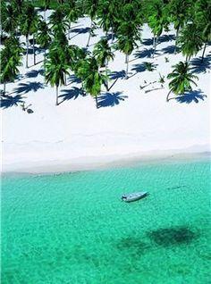 République Dominicaine, île Saona. Plages désertes à perte de vue et eau cristalline, l'île Saona est totalement préservée