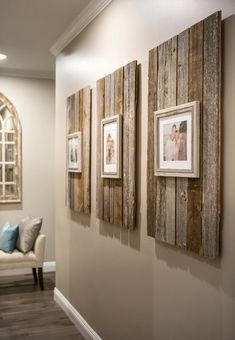 Rustic Home Decor Modern Farmhouse Reclaimed Wood Backdrop for Picture Frames.Rustic Home Decor Modern Farmhouse Reclaimed Wood Backdrop for Picture Frames Picture Frame Decor, Wall Decor Pictures, Room Pictures, Picture Wall, Home Projects, Wooden Pallet Projects, Reclaimed Wood Projects Signs, Old Wood Projects, Barnwood Ideas