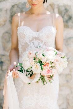 more on the blog www.sonyakhegay.com/elegant-summer-wedding #wedding #bouquet #elegant #bride #summer #sonyakhegay