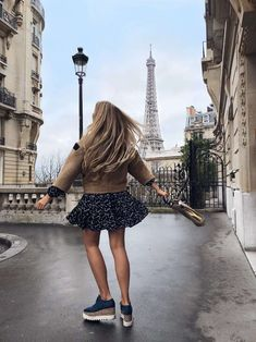 secret tips travel most beautiful photo locations, Paris, Eiffel Tower, frame in frame How To Choose Paris Tour, Paris 3, Paris Photography, Photography Poses, Travel Photography, Fashion Photography, Paris France, Paris Torre Eiffel, Site Photo