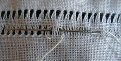 Oggi ho finalmente terminato l'ultimo pezzo del set da messa e, come promesso ad alcune amiche, ho fotografato la sequenza del punto con cui... Hardanger Embroidery, Learn Embroidery, Crewel Embroidery, Cross Stitch Embroidery, Drawn Thread, Thread Work, Seed Stitch, Bobbin Lace, Embroidery Techniques