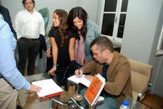 """Lançamento de """"Amo um anjo"""", de José Maria Almeida, no Clube Literário do Porto, em Setembro 2011."""