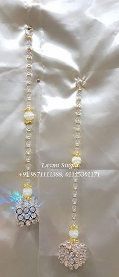 Door Hanging Decorations, Diwali Decorations, Festival Decorations, Flower Decorations, Art N Craft, Craft Work, Acrylic Rangoli, India Crafts, Artificial Garland