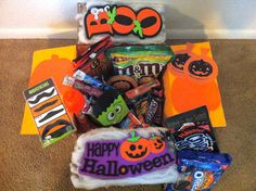 Creative Care Package for Halloween Missionary Care Packages, Deployment Care Packages, Halloween Crafts, Happy Halloween, Halloween Decorations, Military Gifts, Military Love, Halloween Care Packages, Fun Mail