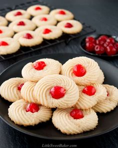 These butter cookies are full of rich-buttery goodness. They have a delightful crumbly texture that just melts in your mouth. This easy one-bowl recipe is made with only 6 ingredients. Bakery Butter Cookie Recipe, Danish Butter Cookies, Whipped Shortbread Cookies, Sugar Cookie Frosting, Easy Sugar Cookies, Vanilla Cookies, Jam Thumbprint Cookies, Jam Cookies, Easy Cookie Recipes