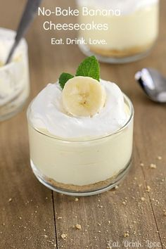 No bake banana cheesecakes! This recipe is so easy to make and tastes like you've been slaving away on it for hours. :) INGREDIENTS: 3/4 cup graham cracker crumbs (divided; you can also use crushed...