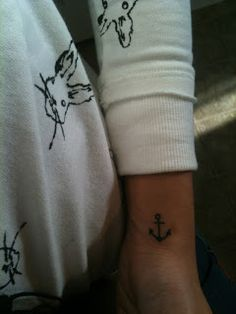 Feathering My Nest...: wrist anchor tattoo...