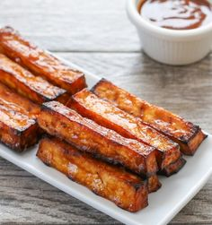 BBQ Tofu Fries Recipes These tofu fries are grilled until crisp and then brushed with BBQ sauce, making for a healthy summer treat. Vegan Bbq Sauce, Vegan Recipes, Cooking Recipes, Vegan Meals, Vegan Snacks, Diet Recipes, Recipies, Bbq Tofu, San Diego Food