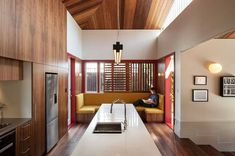 Split Villa, a Renovated Family-House in Auckland by Pac Studio New Zealand Architecture, Architecture Awards, Architecture Design, Red Windows, Timber Screens, Villa, Wooden Screen, Built In Furniture, Open Concept