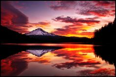 Trillium Lake On Fire by Darren White on 500px
