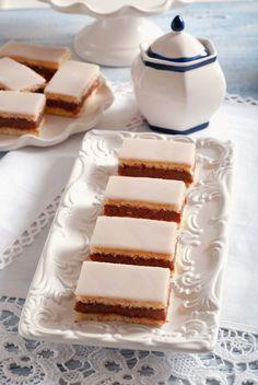 Recept, ktorý musí ovládať každá gazdinka: Domáce punčové rezy Czech Recipes, Vanilla Cake, Food And Drink, Cooking Recipes, Sweets, Cookies, Mascarpone, Backen, Vanilla Sponge Cake